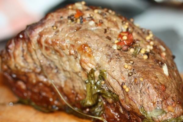 Wołowina, by smakowała dobrze, wymaga dość długiego czasu przyrządzania. Jej aromat zaczaruje wszystkich domowników.